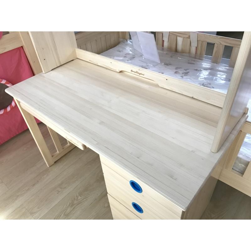 Kingdom Desk W Hutch 106031